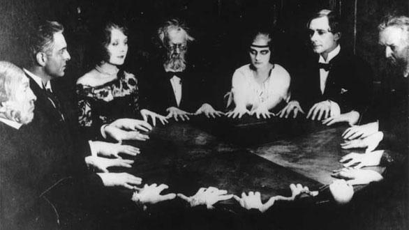 Spiritisme I, avec des tables tournantes : des MIDIM